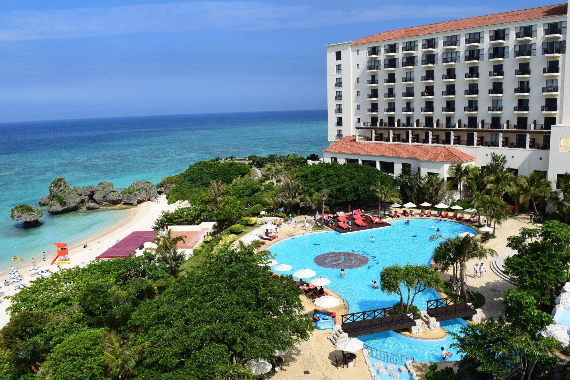 トリップアドバイザーが家族旅行に人気!沖縄ホテルランキング2019を発表